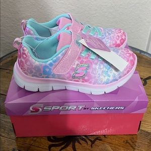 NWT girls sketchers sport jazzy pink shoes 12